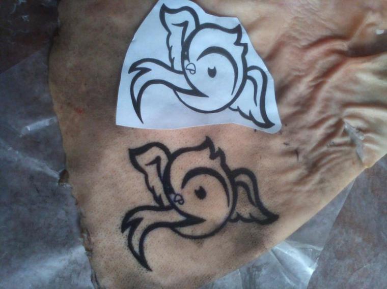 Premier TattOo sur peau de Cochon