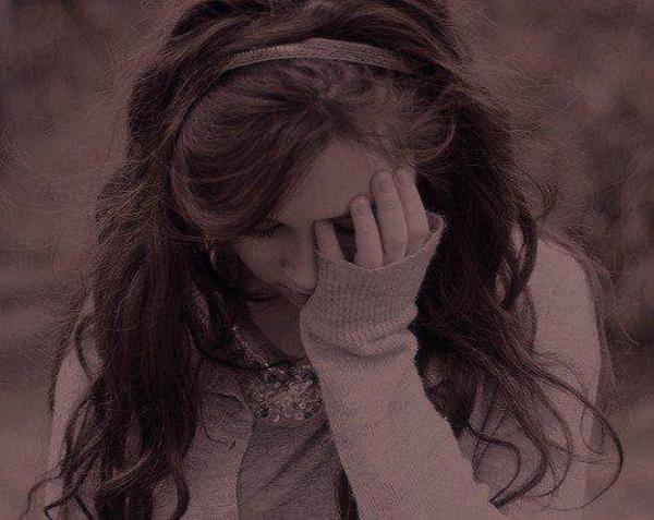 Je pensais que les mots pouvaient faire mal, mais en fait ton silence c'est pire.
