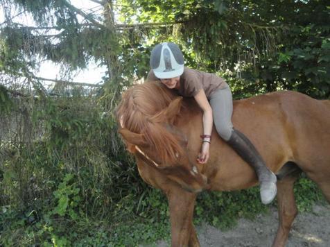 Une meilleure amie, un poney et du soleil !