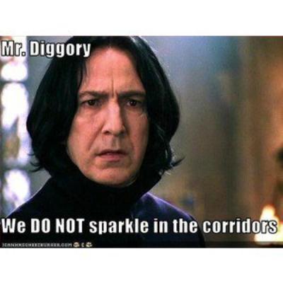 La guéguerre twilight/Harry Potter mon opinion. Twilight n'est mauvais, mais il ne mérite pas l'ampleur qu'il a eu à mon humble avis. Voici les raisons qui me pousse à préférer Harry Potter. Merci de ne pas rager, mais partagez moi votre opinion, SVP ^-^
