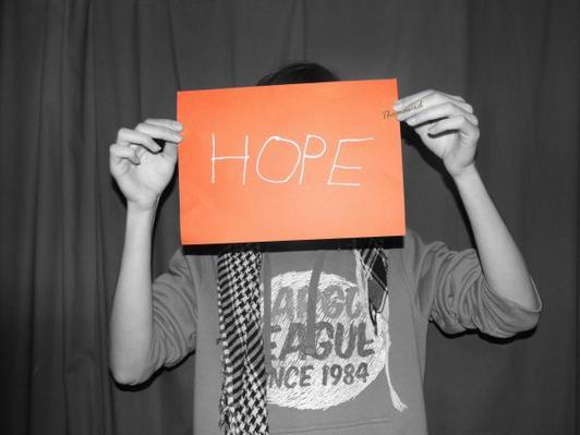 # On a tous une lueur d'espoir ~