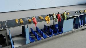 Mon réseau - L'autorail X 73500 Ho jouef avec ses passagers (2)