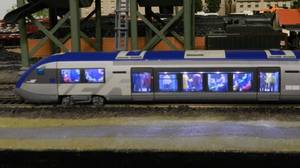 Mon réseau - L'autorail X 73500 Ho jouef avec ses passagers (4)