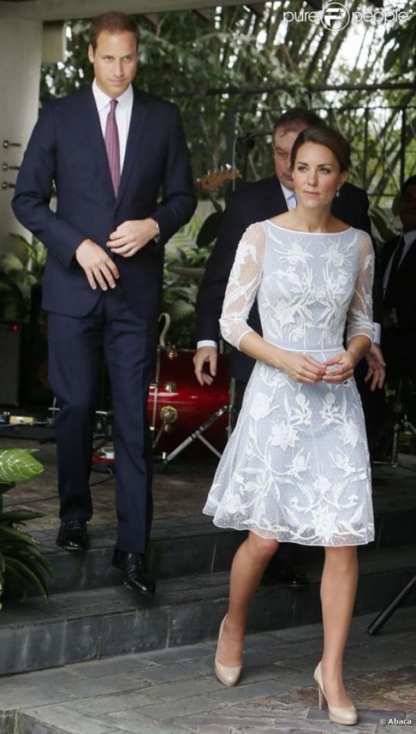 Kate et William à une tea party
