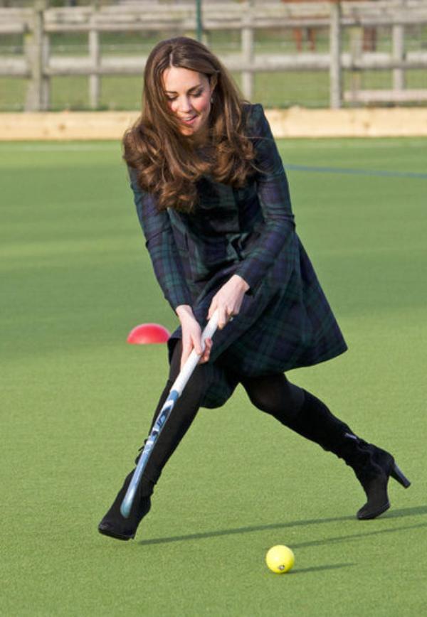 Kate en visite dans une école de Cambridge