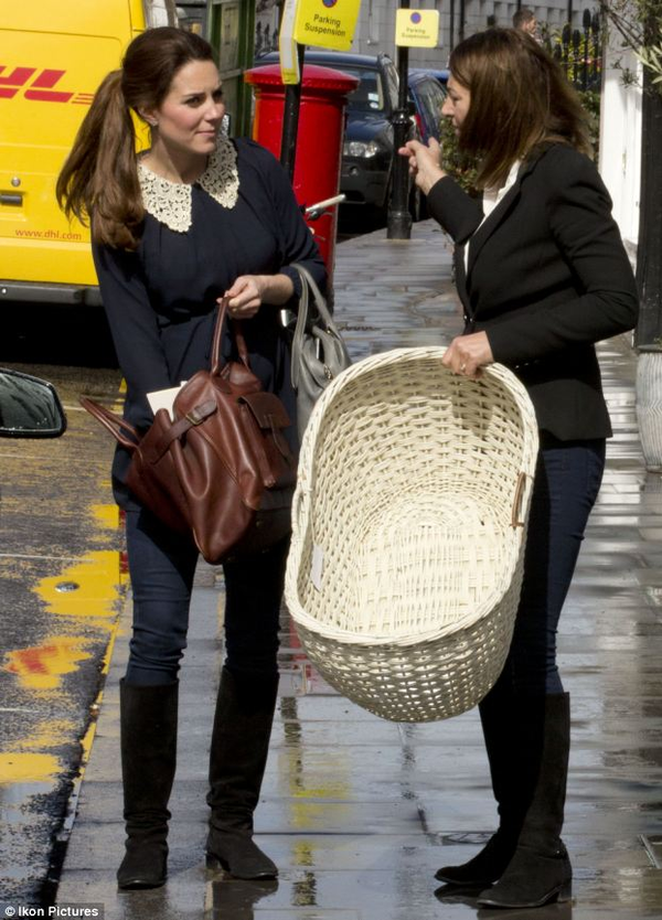 Kate faisant du shopping avec sa mère