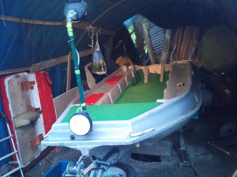 le nouveau bateau de son arriver a son amenagement