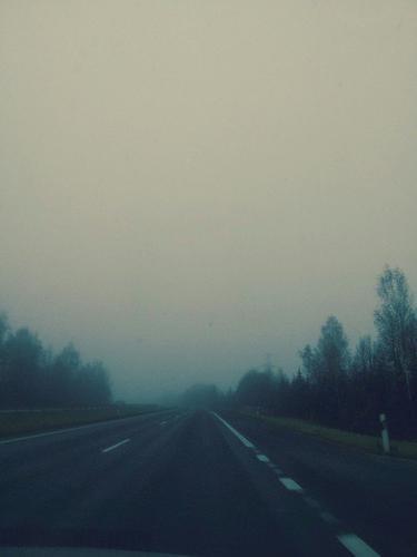 Dans tout les chemins y'a des obstacles, ne changes pas de route si tu en croises, apprends à les surmonter.