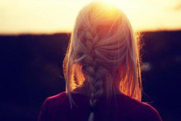 Pourquoi je ne me contente pas d'aimer celui qui m'aime plutôt que de m'acharner à aimer celui qui en aime une autre?