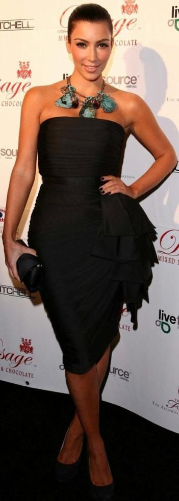 Robe: Kim Kardashian O1