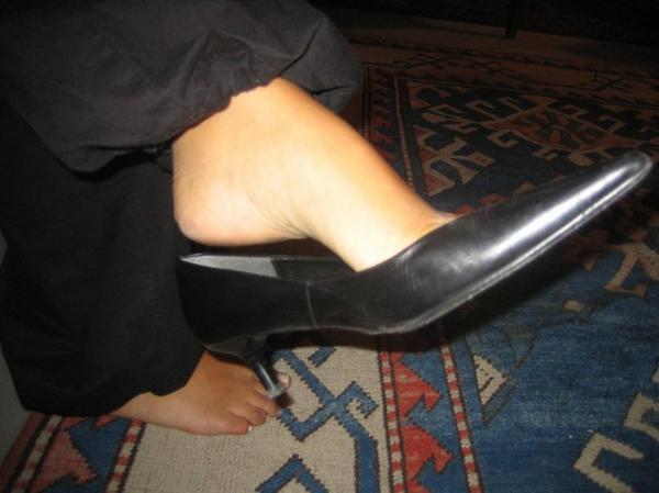 Les jolies chaussures et petons d'ivana !!