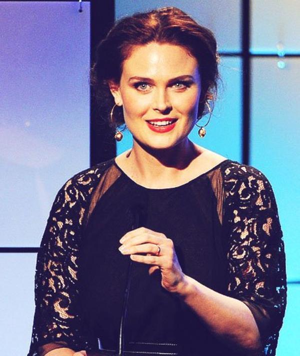 "Emily Deschanel aux ""Critics Choice Award"" Le 18 Juin 2012 ! ♥"