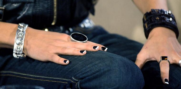 Analyse personnalisée des Tokio Hotel selon la chiromancie