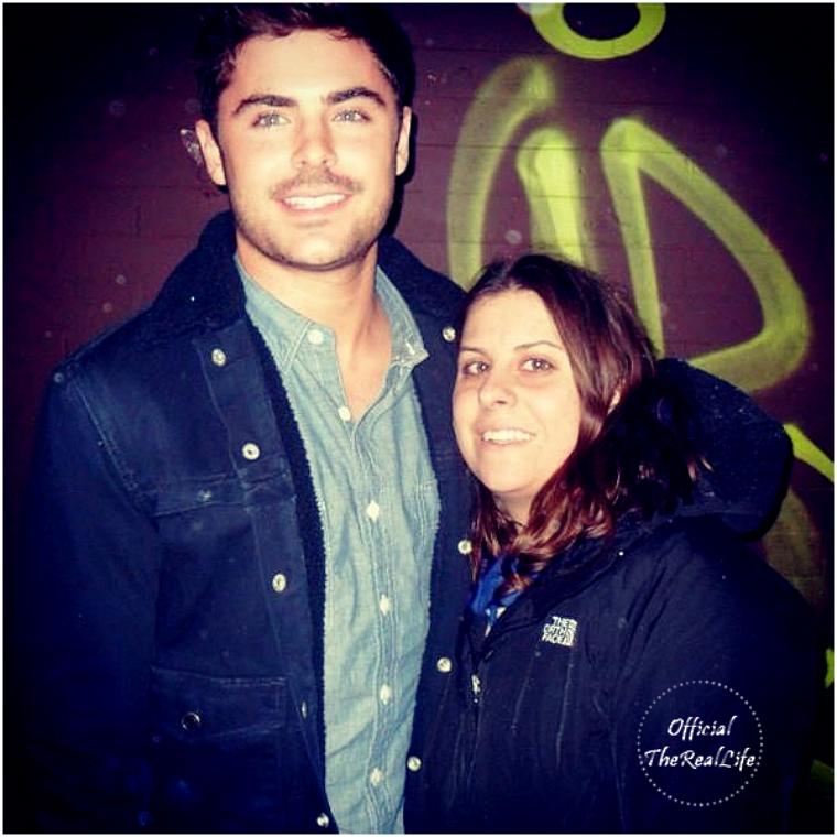 © ZEfron™  19.12.2012  -  Photo de Zac et une de ses fan sur le tournage à New York.