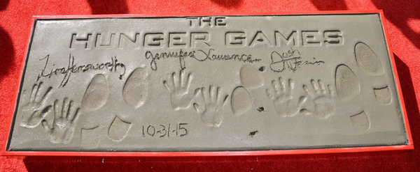 Handprint and Footprint Ceremony || Chinese Theatre
