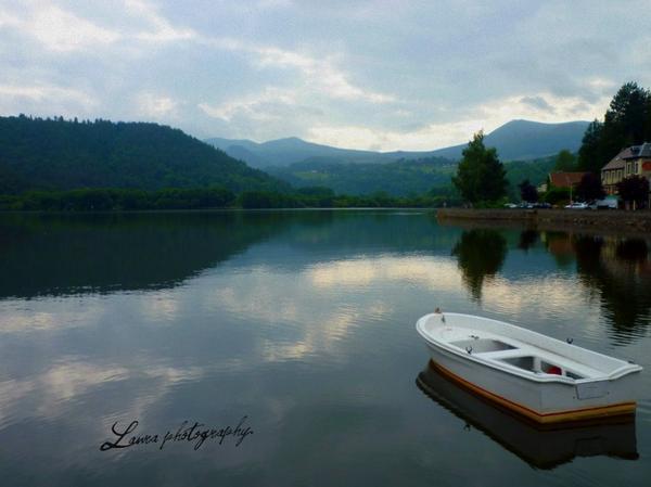 Le lac de Chambon en Auvergne. ♥