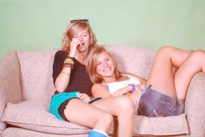 Un ami, rien qu'un ami,c'est aussi précieux qu'une vie.Et ça beaucoup de monde l'oublie...