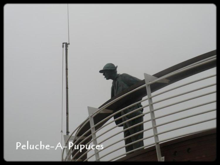 Mr HULOT face à l'océan. A St Marc sur Mer.