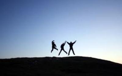 """""""Les gens les plus heureux n'ont pas tout ce qu'il y a de mieux. Ils font juste de leur mieux avec tout ce qu'ils ont."""""""