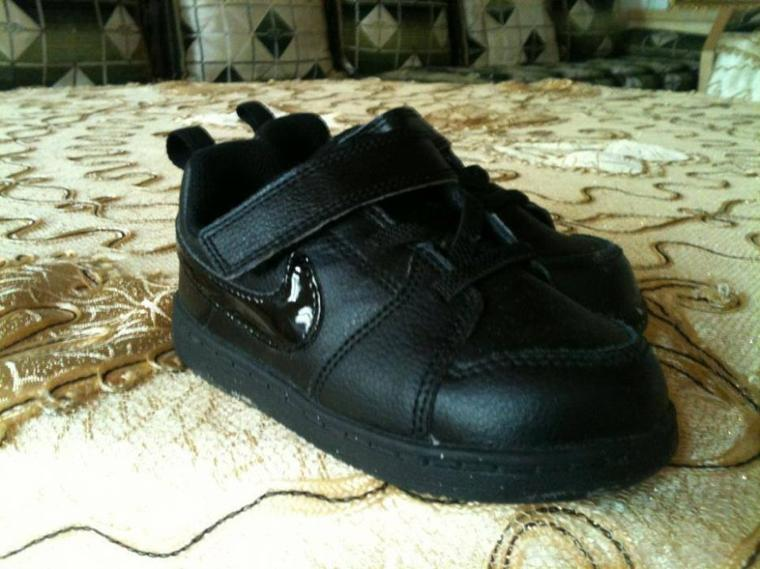 CHAUSSURES ENFANT POINTURE 25 NEUF (A.V) 22¤