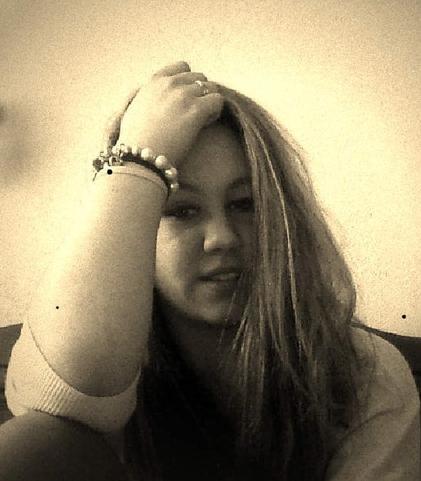 ne rend pas une fille amoureuse si tu n'as pas l'intention de l'aimer. #GG