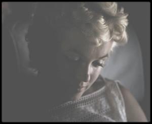 6 Août 1955 / (Photos Eve ARNOLD), Marilyn se rend à Bement (Illinois) pour inaugurer un musée Abraham LINCOLN à l'occasion du centenaire de la ville. A sa demande, elle est accompagnée de la photographe Eve ARNOLD, qu'elle a invité pour couvrir l'événement.