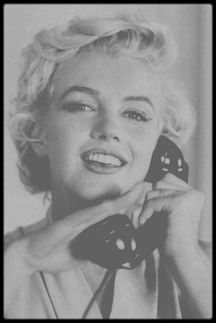 """1954 / Photos Sam SHAW, Marilyn est arrivée à New-York pour les extérieurs du film """"The seven year itch"""" où elle loge au """"St REGIS Hotel"""""""