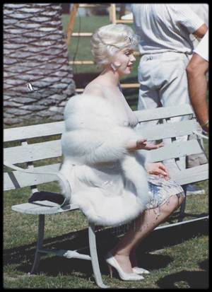 "1958 / Photos Richard C MILLER, Marilyn lors du tournage du film ""Some like it hot"""