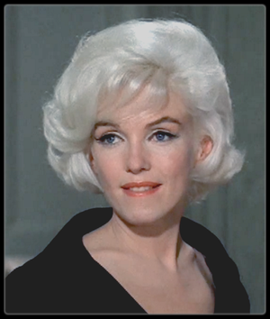 """1962 / Mes captures d'écran de Marilyn lors des essais coiffures et costumes pour son dernier film inachevé """"Something's got to give"""", (""""Quelque chose doit craquer""""), titre prémonitoire... Elle n'avait alors que 36 ans !"""