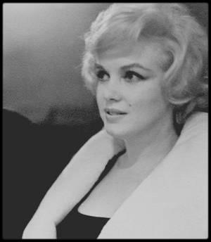 """10 Février 1959 / Marilyn et Arthur assistent à une représentation de """"Macbeth"""" au """"Metropolitan Opera"""" de New-York. (photos Gjon MILI)."""