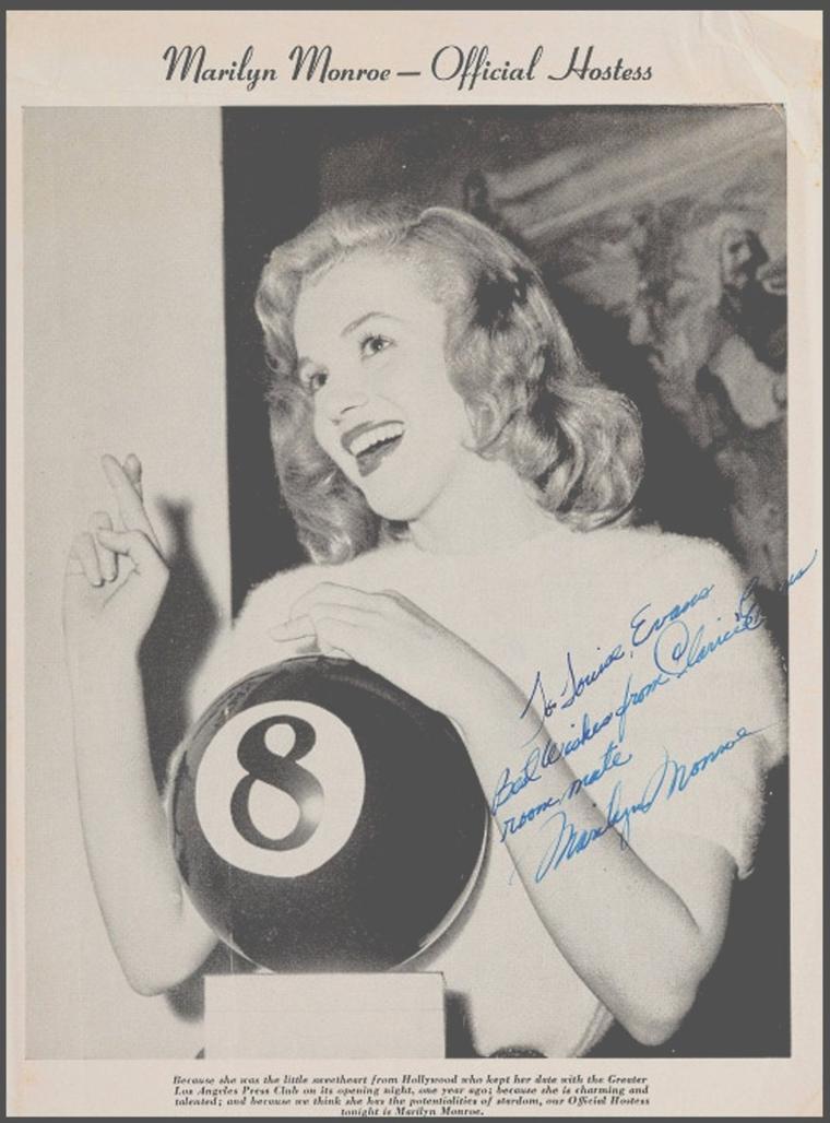 """11 Juin 1947 / Marilyn est élue la première """"Miss Press Club"""" de l'année 1948 ici à la soirée organisée par le """"Los Angeles Press Club"""". Il s'agissait pour les concurrentes d'être hôtesse à """"l'Hôtel Ambassador"""", pour les réunions et les manifestations organisées par les journaux de Los Angeles. Elle reçoit en trophée la boule de billard chiffrée """"8""""."""