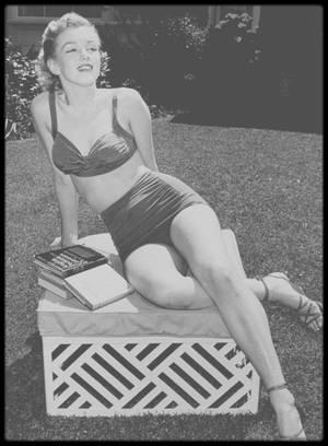 1950 / Marilyn sous l'objectif d'Earl LEAF.