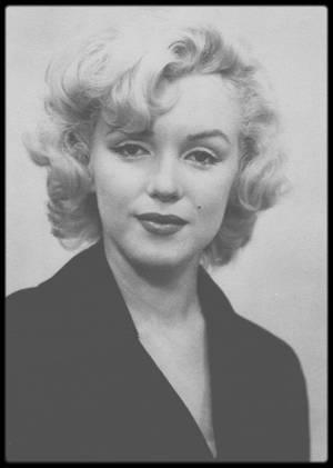 1954 / Passeport de Marilyn pour son voyage au Japon avec DiMAGGIO.