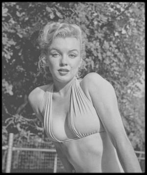 1950 / (PART II) Hollywood, Marilyn vue par le photographe Bob BEERMAN.