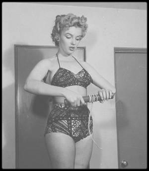 1952 / A l'occasion des Jeux Olympiques d'été 2016 se déroulant à Rio, je choisi cette photo de Marilyn en faisant un voeux, que la France ramène un max de médailles en or ! Alors, BONS JEUX !