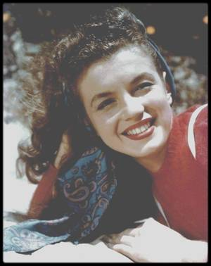 1945 / Norma Jeane by David CONOVER.