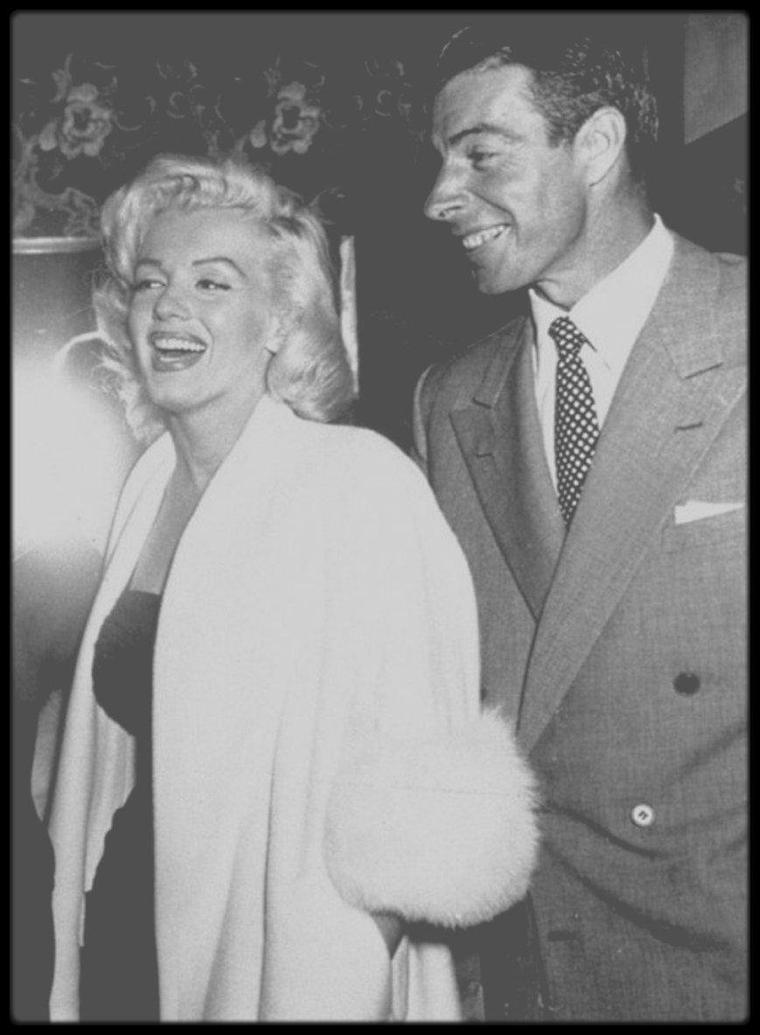 11 Octobre 1953 / Marilyn et Joe se rendant à un match de baseball.