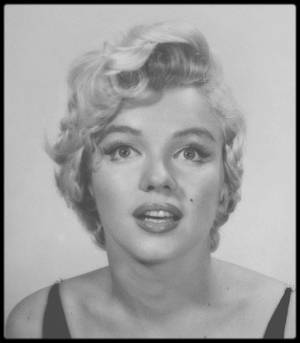 "1954 / Session photos de Philippe HALSMAN, Marilyn tourne alors le film ""The seven year itch""."