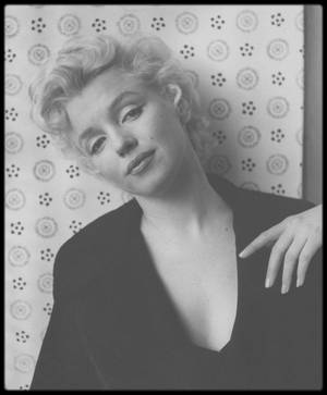 "NEWS / EXPO : Marilyn MONROE ""I wanna be loved by you"" (du 22 Octobre 2016 au 1er Mai 2017) HOTEL DE CAUMONT, Centre d'Art, AIX-EN-PROVENCE)."