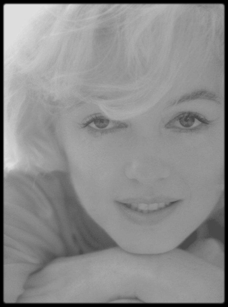 1962 / INTERVIEW de Willy RIZZO (1928-2013) en 2010 : LE FIGARO - Vous commencez votre rétrospective par une photographie inhabituelle de Marilyn MONROE, légèrement embrumée. Pourquoi ?
