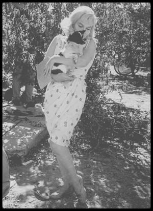 """1960 / Marilyn par Eve ARNOLD sur le tournage du film """"The misfits""""."""