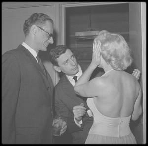"""16 Janvier 1960 / Une conférence de presse est organisée par la Fox avec les acteurs et réalisateurs du film """"Let's make love"""", afin de présenter le film aux journalistes."""