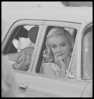 """1960 / Pour mon amie Simona, ces photos candides de Marilyn lors du tournage d'une scène du film """"The misfits""""."""
