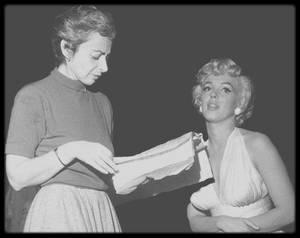Une coach nommée NATASHA / Elle rencontra Marilyn qui lui était adressée par la Columbia (pour son premier second rôle dans « Ladies of the Chorus »).