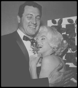 """5 Mars 1962 / Marilyn lors de la soirée de remise des """"Golden Globe Awards""""."""