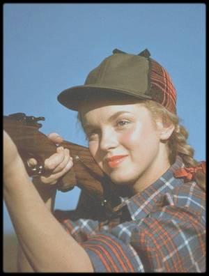 1946 / BONUS photos de Norma Jeane par le photographe Richard C MILLER.