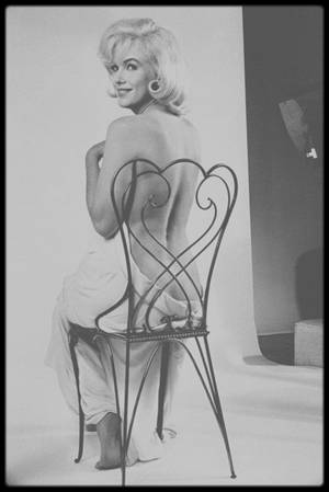"1960 / Session photos studio de Marilyn par Eve ARNOLD alors qu'elle tourne le film ""The misfits""."