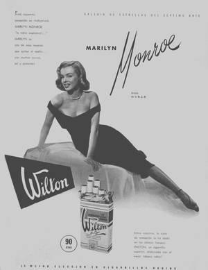 """1949 / (Le film sortira le 23 Mai 1950) La petite robe noire de Marilyn... Photos promotionnelles du photographe Frank POWOLNY, pour le film """"The Asphalt jungle""""."""