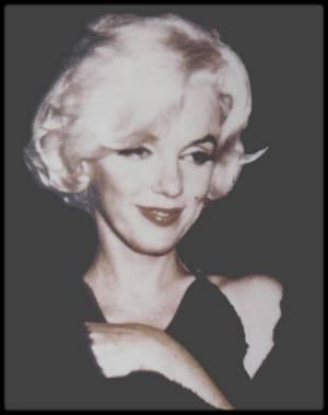 """5 Mars 1962 / NEWS / Marilyn et José BOLANOS lors de la cérémonie des """"Golden Globe Awards"""". Elle recevra le célèbre prix des mains de l'acteur Rock HUDSON."""