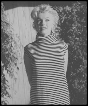 1954 / LES NEWS de Marilyn par le photographe Ted BARON.